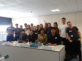 thai-visitors-and-pgce-chemistry-students-jpg